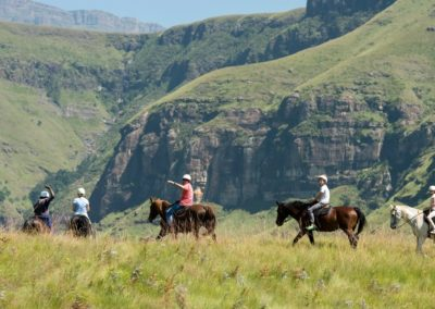 Cathedral Peak Hotel - Horse Riding - Future Bride